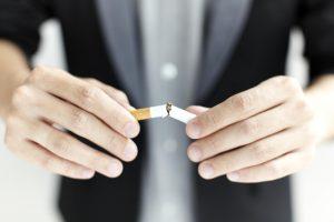 Denia.  Dejar de fumar con hipnosis y Terapias naturales en Dietética y Nutrición.